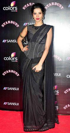 Manasvi Mamgai in a black Tarun Tahiliani sari at the Stardust Awards 2014. #Bollywood #Fashion #Style #Beauty