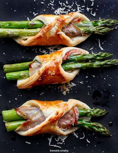 Puff pastry, asparagus, ham and cheese Szparagi w cieście francuskim - Przepis I Love Food, Good Food, Yummy Food, Cookbook Recipes, Cooking Recipes, Cooking Food, Cooking Tips, Healthy Recipes, Food Cravings