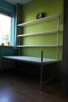 Meubels van Steigerbuis en Buiskoppelingen - Voorbeelden Shelves, Home Decor, Decor, Bookcase