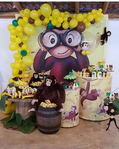 fiesta tematica de jorge el curioso 1st Birthday Party Themes, Circus Birthday, Baby First Birthday, Curious George Party, Curious George Birthday, Party Decoration, First Birthdays, Instagram, Crown