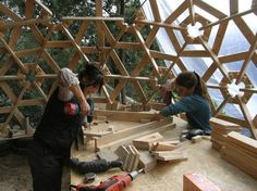 Designed by Gianluca Stasi of the philosophical architecture firm Ctrl + Z. With a couple of simple templates for cutting, wooden pallets can be easily turned into a completely functional structure of customizable size, usable for almost any purpose.  diy-wooden-dome-built-from-pallets-9.jpg