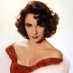 """""""Pour yourself a drink, put on some lipstick and pull yourself together."""" #ElizabethTaylor RespectPoint.com"""