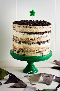 Hummingbird High: Momofuku Milk Bar Chocolate Chip Cake