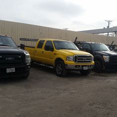 Heres a real #squad #tow #trucks #ford #towtruck #hooknbook #chicago #merica #fordsofinstagram #weouthere #diesel #turbodiesel #byebye #goals #bae #v10 #v8 #powerful #powerstroke #pstroke #gasser #turbo #murderedout #187 #myguys #safe #blacksheep #oddball by dead_trigger88