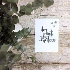 É só isto. Apaixonarmo-nos pelo que fazemos e vivermos cada dia em amor, em entusiasmo, em pleno. Eu escolhi escrever a minha história contando as vossas! E vocês, o que adoram fazer? _ It's just this! Fall in love with what we do and live each day in love, in enthusiasm, in full. I chose to write my story telling your own story. And you, what do you love to do?