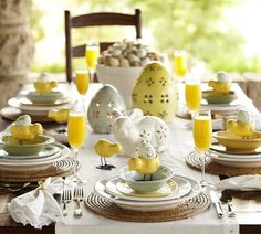 Easter Home Decorating Ideas, pretty yellow decor, delicious mimosas. Maybe a set up for a ladies only brunch!