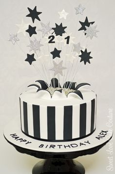 birthday cakes for men 18th Birthday Cake For Guys, Birthday Decorations For Men, White Birthday Cakes, 21st Cake, 21st Birthday Cakes, Birthday Ideas, Male Birthday, Happy Birthday, Bolo Cake