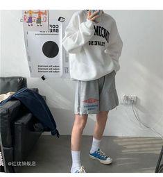 Boyish Outfits, Boyish Style, Korea Style, Aesthetic Look, Knee Length Shorts, Ulzzang Fashion, Nanami, Korea Fashion, Grunge Fashion