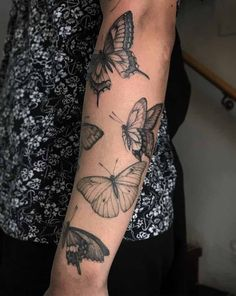 Butterfly Tattoos - A butterfly tattoo is a classic tattoo with a long history of both men and women getting butterfly - Dope Tattoos, Dream Tattoos, Pretty Tattoos, Future Tattoos, Beautiful Tattoos, Body Art Tattoos, Small Tattoos, Girl Tattoos, Sleeve Tattoos