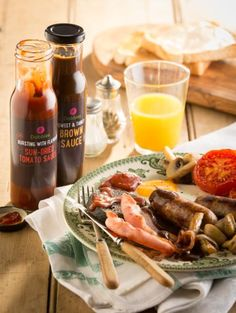 Breakfast has just gotten ridiculously scrummy with Dobbies Bursting with Flavour Sun-dried Tomato Sauce, and Dobbies Sweet & Tangy Brown Sauce. Sun Dried Tomato Sauce, Brown Sauce, Food And Drink, Cheese, Breakfast, Sweet, Morning Coffee, Candy