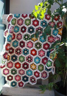 Paremman puutteeseen: Afrikankukkapeitto Chrochet baby blanket Chrochet, Crocheting, Blanket, Baby, Crochet, Crochet, Ganchillo, Blankets, Baby Humor