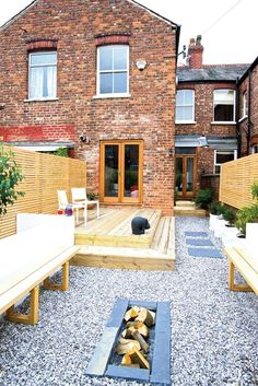 Transforming a derelict terraced house Real Homes Garden Spaces, Terrace Garden, Garden Ideas Terraced House, Garden Ideas For Small Spaces, Small Garden Decking Ideas, Small Garden Fire Pit, Terraced Backyard, Slate Garden, Pebble Garden