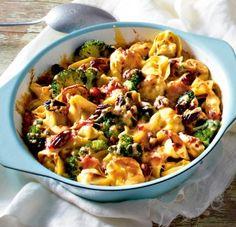 Das Rezept für Brokkoli-Tortellini-Auflauf mit gekochtem Schinken und Pekannüssen und weitere kostenlose Rezepte auf LECKER.de