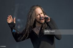 Nachrichtenfoto : Jonathan Davies of Korn performs on stage on Day...