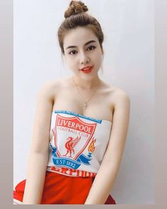Liverpool Poster, Liverpool Girls, Liverpool Fans, Liverpool Football Club, Football Fans, Cute Asian Girls, Cute Girls, Soccer Girls, Japanese