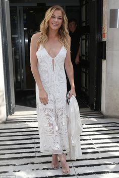 White hot: LeAnn Rimes ensured she was back with a bang after her three-year hiatus as she rocked a daring outfit for an appearance on BBC Radio 2 in central London on Frida Country Female Singers, Country Music Singers, Country Women, Country Girls, Dana Perino, Lee Ann, Southern Girls, Country Music Stars, Miranda Lambert