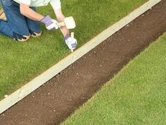 How to Lay a Brick Pathway : Home Improvement : DIY Network
