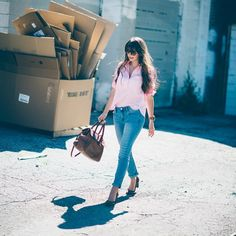 Straight leg denim and the perfect popover. Outfit details at findingbeautifultruth.com.