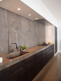 | P | Kitchen with concret counters + backsplash