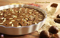 Castagnaccio, un dolce a base di farina di castagne, il cui impasto è arricchito da pinoli e uvetta sultanina. Tipico di molte zone di Italia.