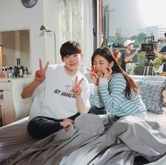 """""""Lee Jong Suk shares photos of him and Suzy on the last day on set for """"While You Were Sleeping"""" 🎥 ~ The look flawless 💁🏻"""" Lee Jong Suk, Jung Suk, Lee Jung, Suzy Lee, Bae Suzy, Suzy Drama, Kdrama, W Two Worlds, Weightlifting Fairy Kim Bok Joo"""