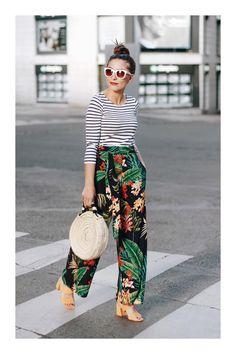 Stripe shirt + Hawaiian print pants # modern and fashionable Outfits Casual, Summer Outfits, Cute Outfits, Summer Fashions, Fashion Mode, Fashion 2017, Fashion Outfits, High Fashion, Fashion Tips