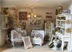 Loving the birdcage and trunk