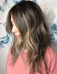 Breathtaking Long Layered Hairstyles With Light Blonde Highlights to Get A Fascinating Look