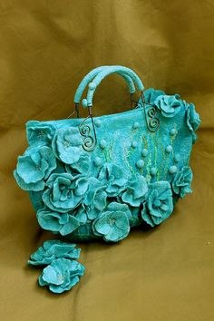 """Купить """" Blue dream"""" сумочка и броши из шелка и шерсти - голубой, синий, голубая сумка"""