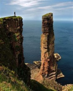 100 Best Things to do in Scotland--I've done many of these while studying there, and I canna wait to do more!
