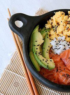 Recette du Cuisine Japonaise: Chirashi ou Chirachi au Saumon, Avocat et Omelette Tamogo Yaki