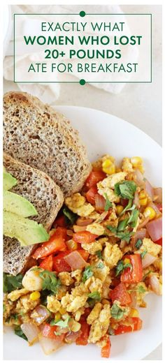 Looking for a simple and easy breakfast that will help you achieve your weight loss goals These women are sharing exactly what they eat every day and have lost 20 pounds. Great healthy recipes for meal planning! Weight Loss Meals, Healthy Weight Loss, Healthy Breakfast Recipes For Weight Loss, Clean Eating Recipes For Weight Loss, Healthy Eating Meal Plan, Clean Eating Plans, Eating Fast, Healthy Snacks, Healthy Breakfasts