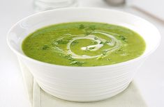 A simple Green pea and mint soup recipe for you to cook a great meal for family or friends. Buy the ingredients for our Green pea and mint soup recipe from Tesco today. Potato Vegetable, Vegetable Soup Recipes, New Recipes, Cooking Recipes, Healthy Recipes, Cooking Ideas, Pea And Mint Soup, Cooking For A Group