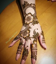 Mehndi henna designs are always searchable by Pakistani women and girls. Women, girls and also kids apply henna on their hands, feet and also on neck to look more gorgeous and traditional. Latest Arabic Mehndi Designs, Henna Art Designs, Mehndi Designs For Girls, Mehndi Designs For Beginners, Stylish Mehndi Designs, Mehndi Designs For Fingers, Latest Mehndi Designs, Mehandi Designs, Modern Henna Designs