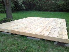 Building A Deck Cost . Building A Deck Cost . Diy How to Build Decking with Scaffold Boards Backyard Projects, Outdoor Projects, Backyard Decks, Deck Over Concrete, Pallet Decking, Pallet Porch, Decking Ideas, Diy Pallet, Deck Cost