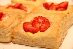 My Little Kitchen: Butterdeig med vaniljekrem og jordbær