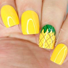 If you're looking to do seasonal nail art, spring is a great time to do so. The springtime is all about color, which means bright colors and pastels are becoming popular again for nail art. These types of colors allow you to create gorgeous nail art. Pineapple Nails, Watermelon Nails, Pineapple Jewelry, Pineapple Yellow, Pineapple Fruit, Pineapple Design, Nails Yellow, Yellow Nails Design, Nagel Hacks