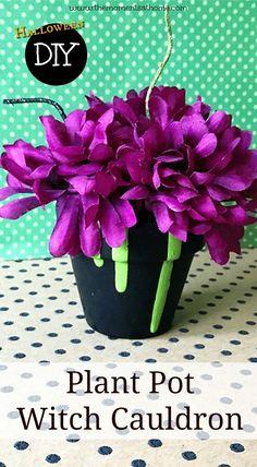 DIY Halloween decor, plant pot craft. Make this cu…