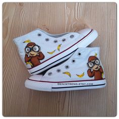 Curious George Shoes, best shoes for fans! Our Custom Shoes are sure to attrack some attention - Hand Painted Custom Converse Shoes by Blinglogo Designers Baby Converse Shoes, Wedding Converse, Custom Converse, Custom Shoes, Baby Shoes, Curious George Party, Curious George Birthday, Painted Converse, Curvy Petite Fashion