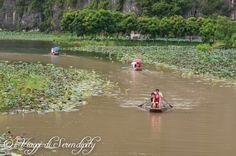Tam Coc navigazione sul fiume