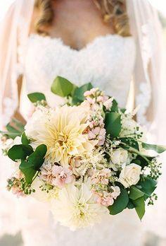 Dahlia Wedding Bouquets   Brides