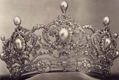 A gorgeous close up of the diamond and pearl tiara of Archduchess Marie Valerie of Austria, complete with open-work base and topped with pear-shaped pearls. Also, there's a new board up on the Vladimir tiara if anyone wants to have a look at it.