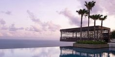 Another Bali resort! How come there are so many luxury resorts in Bali! This is even MORE beautiful than the last one with breathtaking views. At Alila Villas Uluwatu in Bali! Pool Piscina, Piscina Do Hotel, Hotel Swimming Pool, Hotel Pool, Best Resorts, Hotels And Resorts, Luxury Hotels, Luxury Travel, Luxury Villa