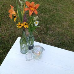 Table decor for an outdoor party