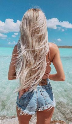 20 Summer Beach Blonde Hair Color : The Ultimate Blonde Hair Beach Blonde Hair, Blonde Hair Looks, Blonde Long Hair, Beach Hair Color, Perfect Blonde Hair, Beautiful Blonde Hair, Matted Hair, Hair Growth Oil, Permed Hairstyles