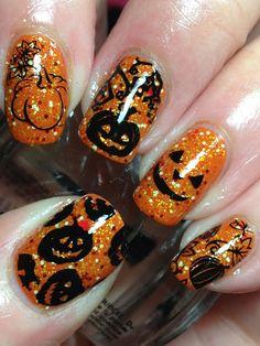 Sparkly Pumpkin Halloween Nails