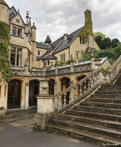 Castle Combe: Day trip from London to Cotswolds - Aye Wanderful Beautiful Buildings, Beautiful Places, Beautiful Castles, Manor House Hotel, Castle Combe, English Manor Houses, Day Trips From London, English Countryside, English Country Manor