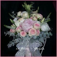 Bouquet peonias, veronicas, rosas mini eden, senecio, lisianthus e eucalipto