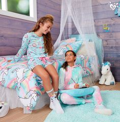 Let unicorn wonder & magical decor inspire her wishlist.