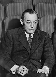 Richard Rodgers 1902 –1979 was an American composer of music for more than 900 songs and for 43 Broadway musicals. He also composed music for films and television. He is best known for his songwriting partnerships with the lyricists Lorenz Hart and Oscar Hammerstein II.